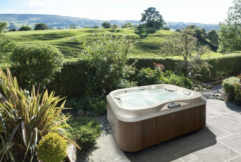 Creating a Budget for Your Outdoor Hot Tub Installation